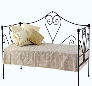 Tufted-Bench-C1